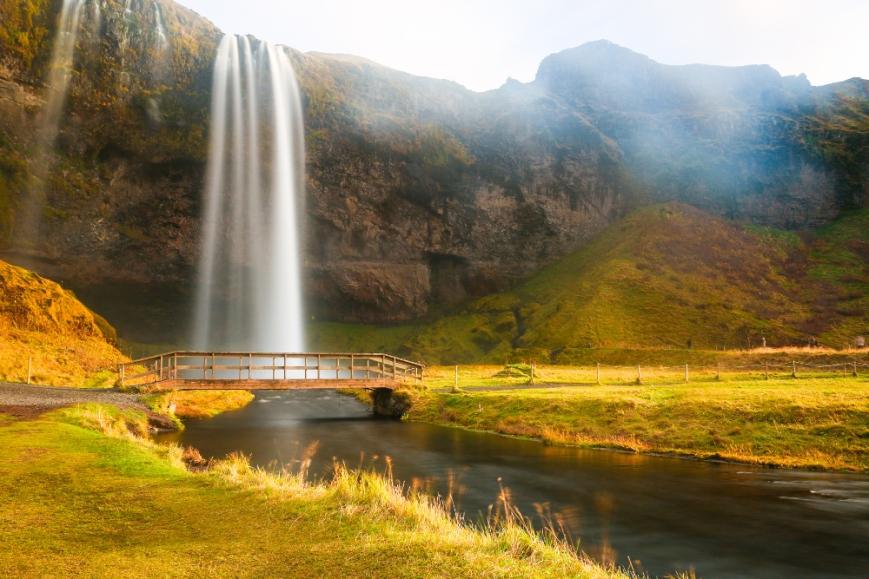 Wasserfall auf Island auf der Seite der Praxis für klassische Homöopathie Martina Walder, Morgentalstrasse 3, 8038 Zürich - Foto von Raphael Hotz